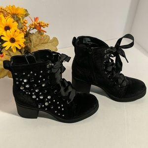 Veera Veero 6m black booties